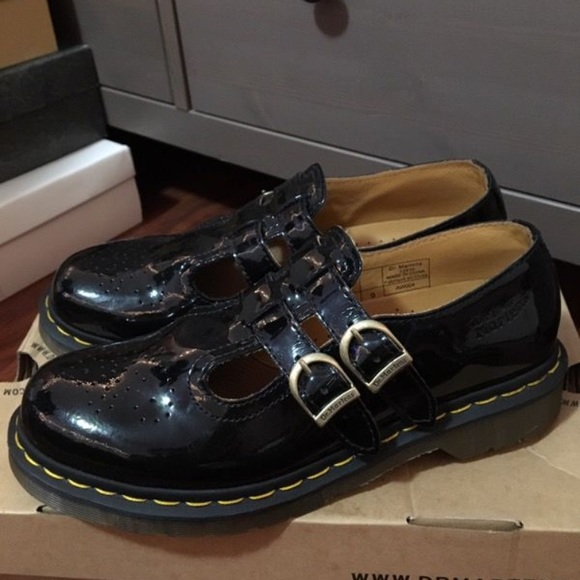 Dr. Marten 8065 Mary Jane Black Patent Leather 569e2dd26